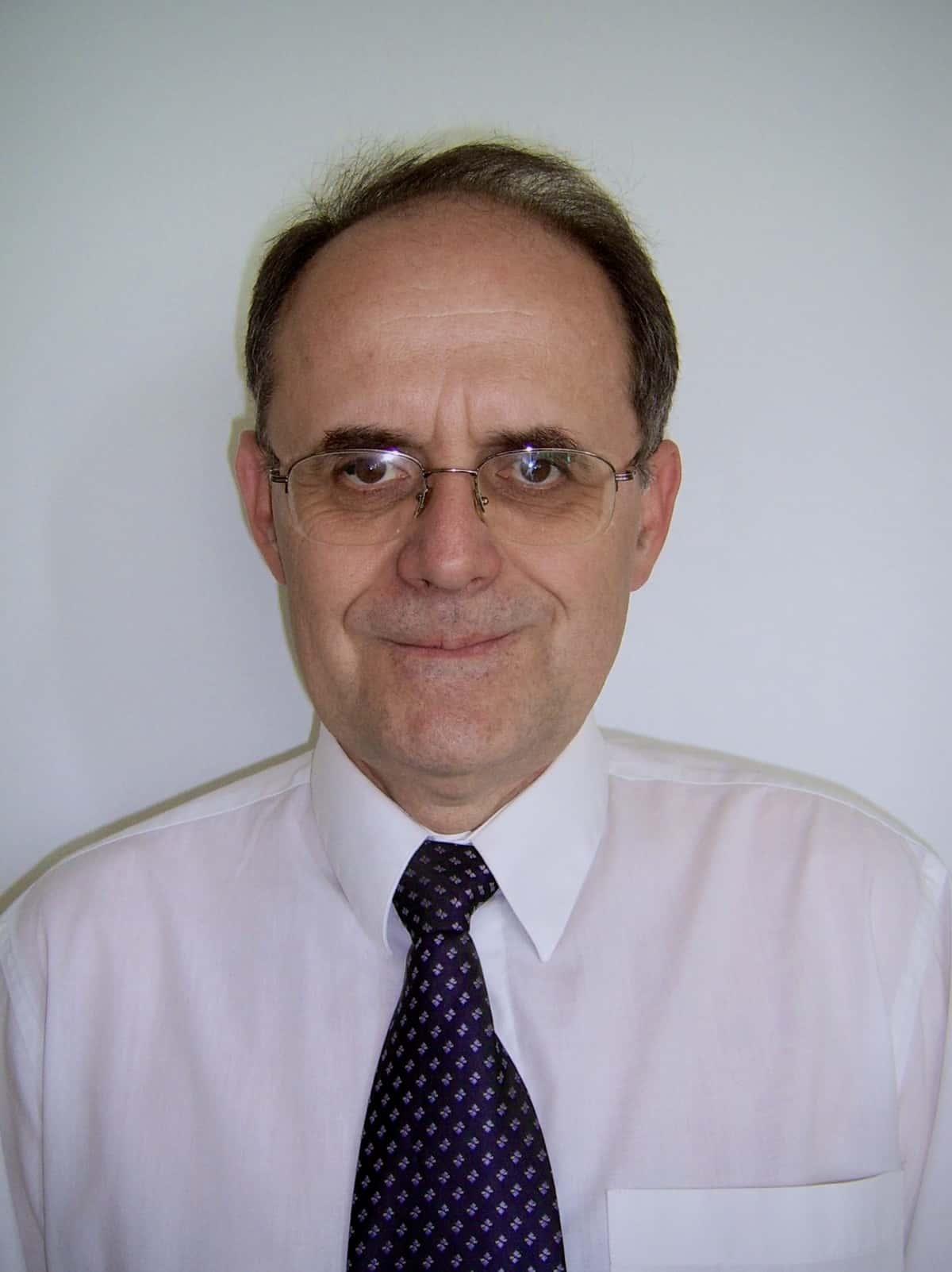 Prof. Dr. habil. László Simon